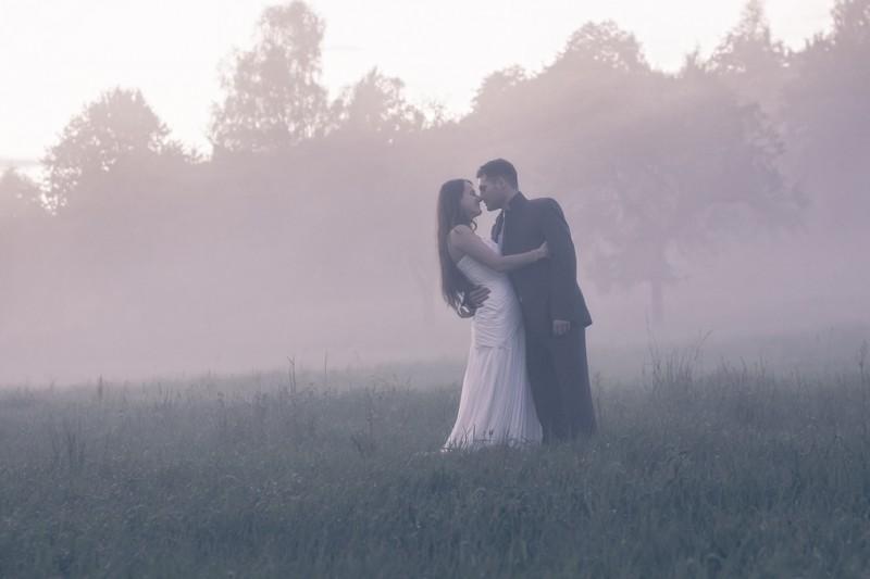 zdjęcia ślubne we mgle