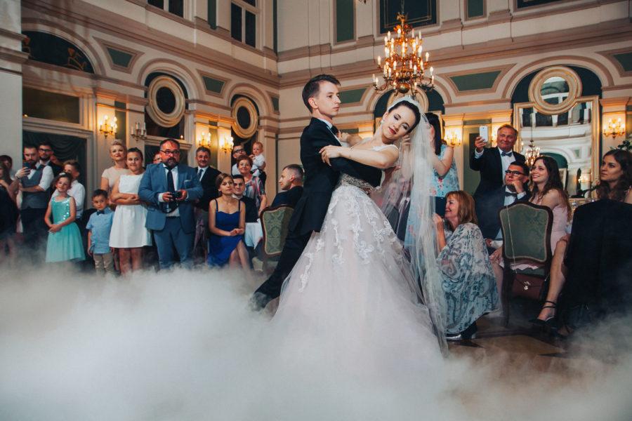 Pierwszy taniec na ślubie.